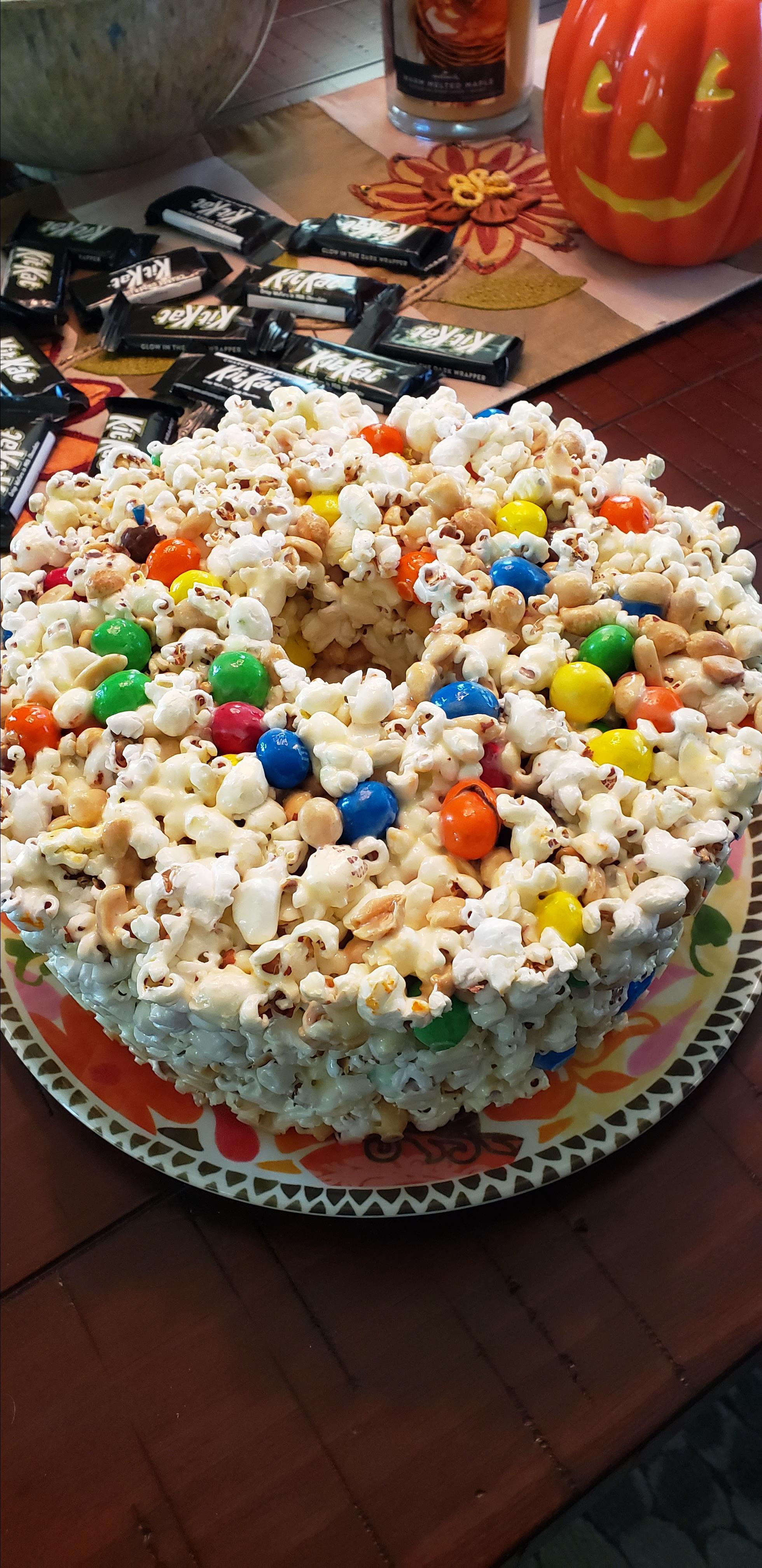 Popcorn Cake I Peg Franklin Gaub