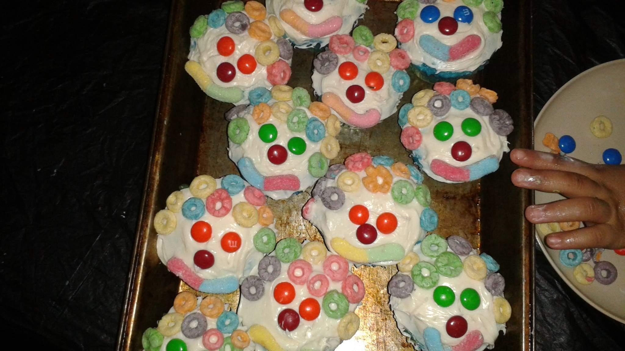 Clown Cupcakes MoniqueP