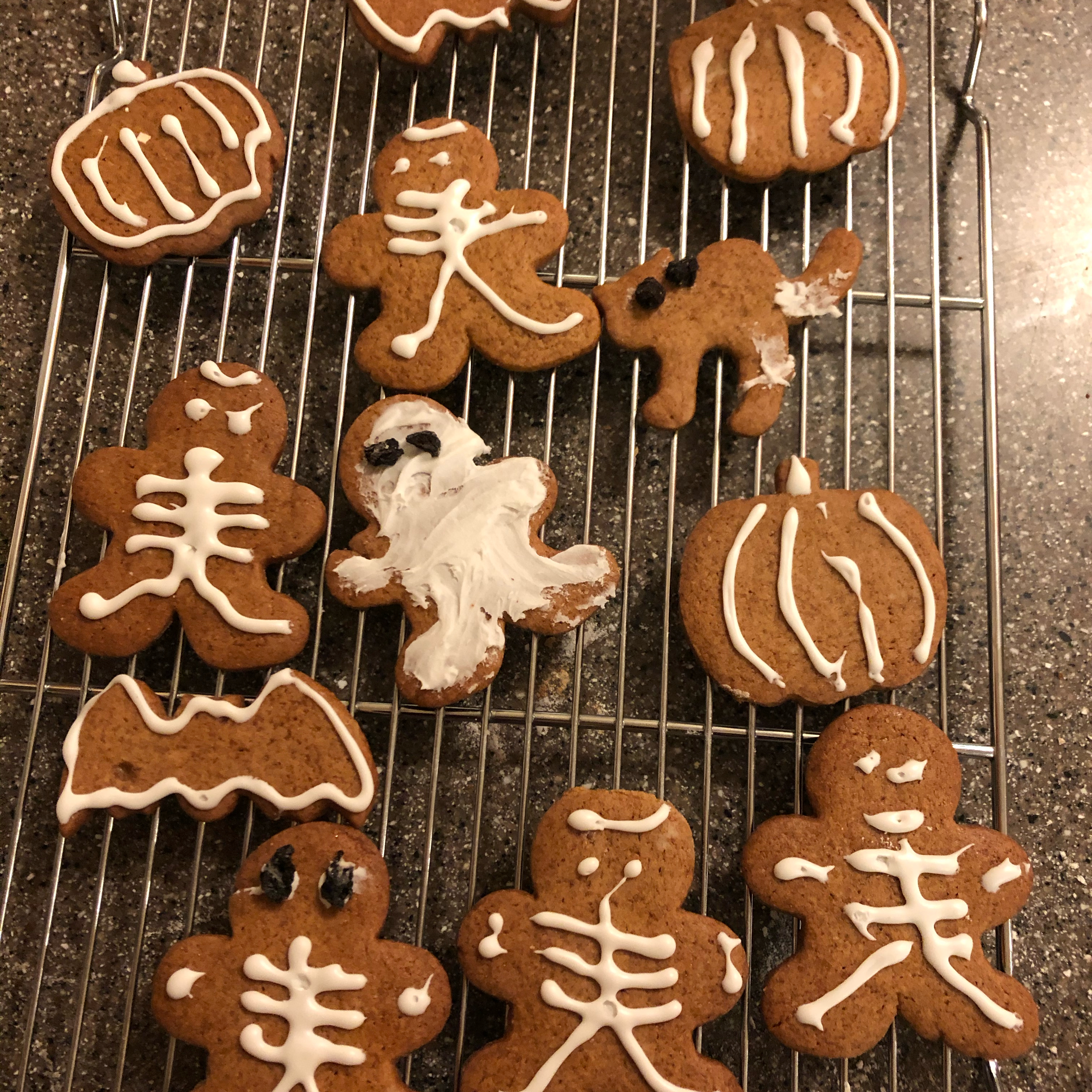 Gingerbread People from JELL-O Linda Monte
