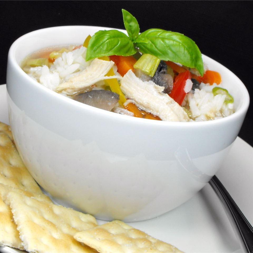 Hearty Chicken Vegetable Soup I bellepepper