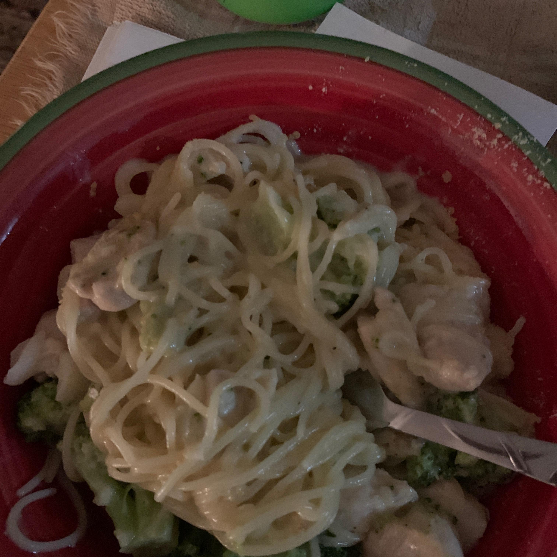 Creamy Garlic and Onion Spaghetti