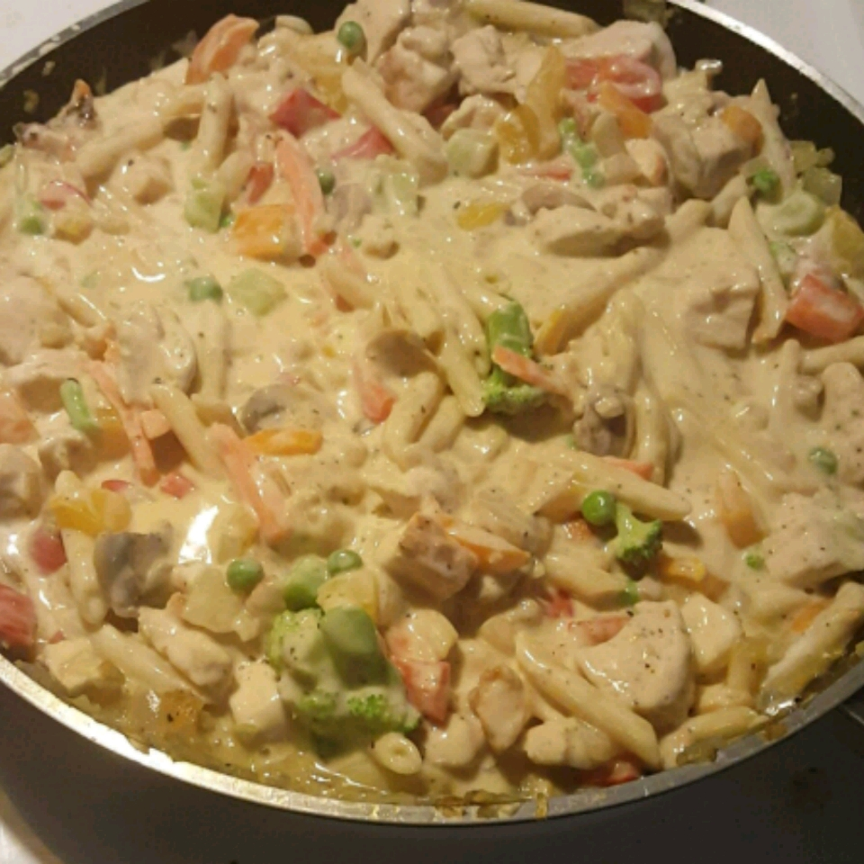 Easy Chicken Alfredo Hubbahubbard09