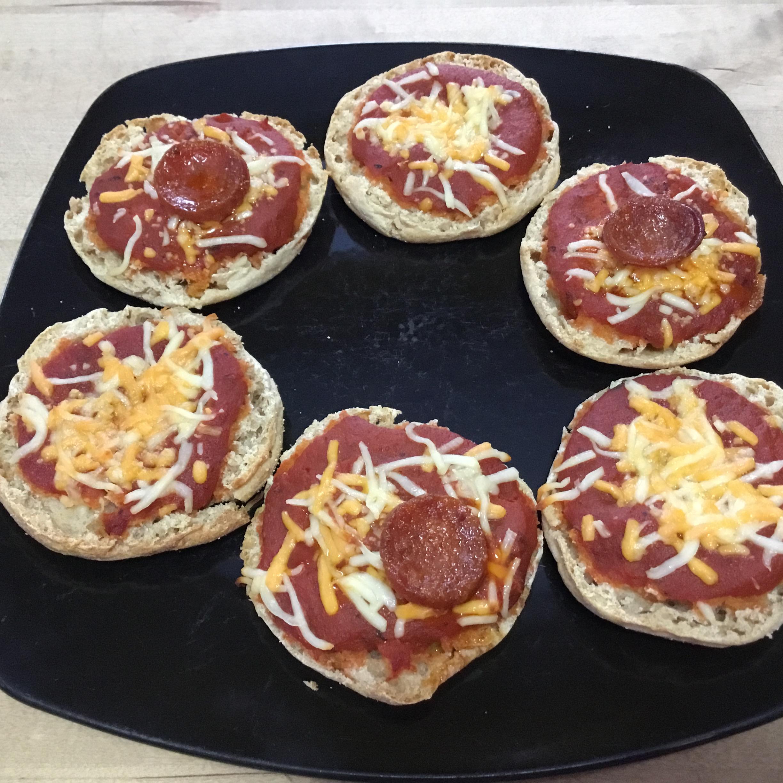 English Muffin Pizza Linda Herrmann Lampack