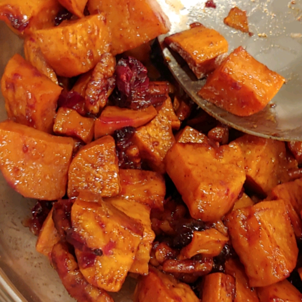 Spiced Sweet Potatoes and Cranberries Mazola