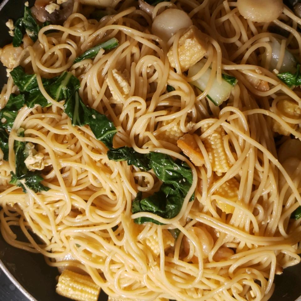 Shrimp Lo Mein with Broccoli Bill