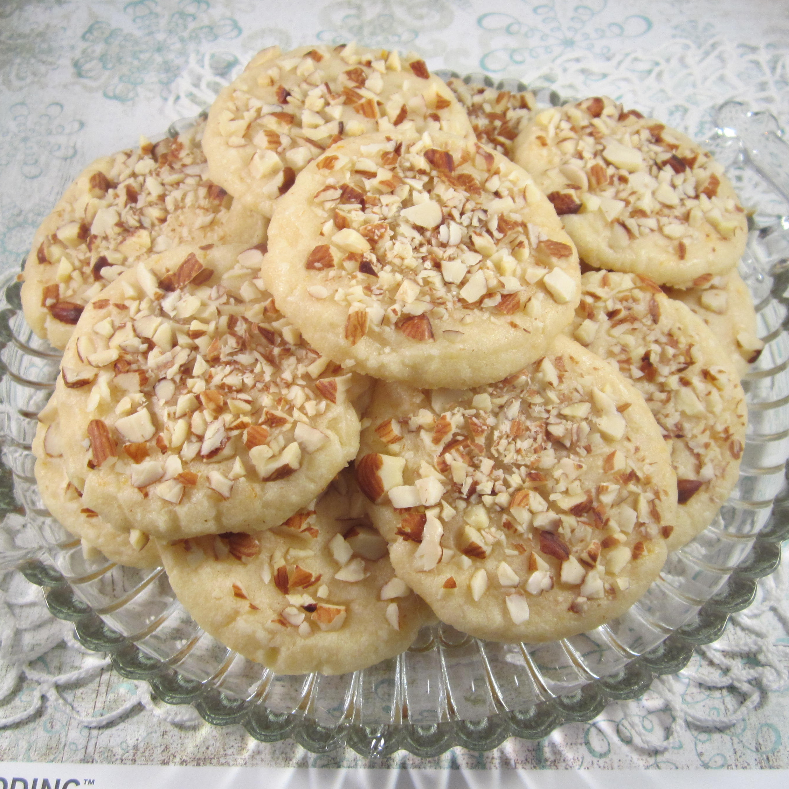 Amaretto Shortbread Cookie