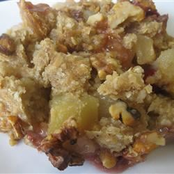 Apple, Cranberry, and Pear Crisp mommyluvs2cook