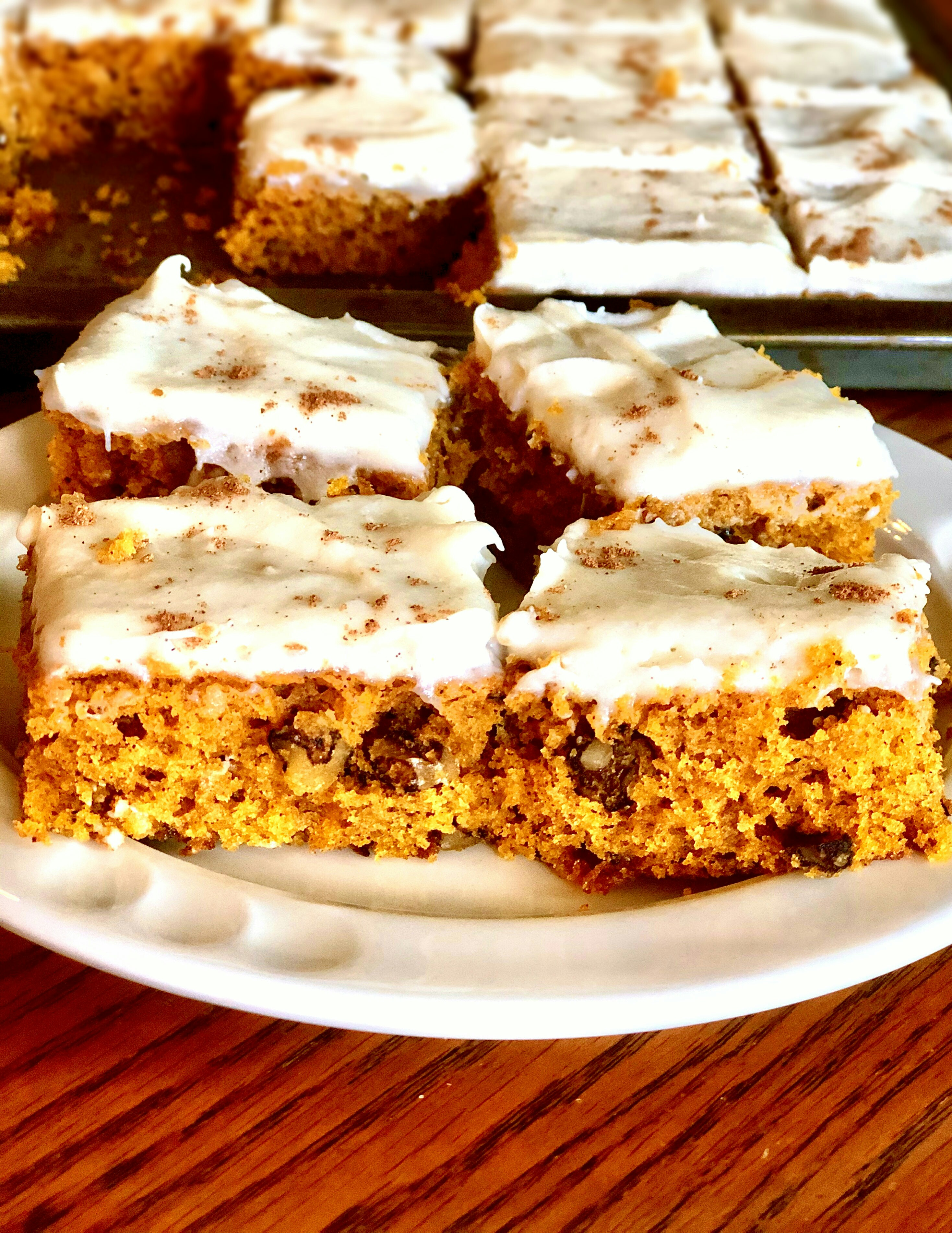 Pumpkin Bars with Cream Cheese Frosting Yoly