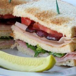 Lorraine's Club Sandwich mominml