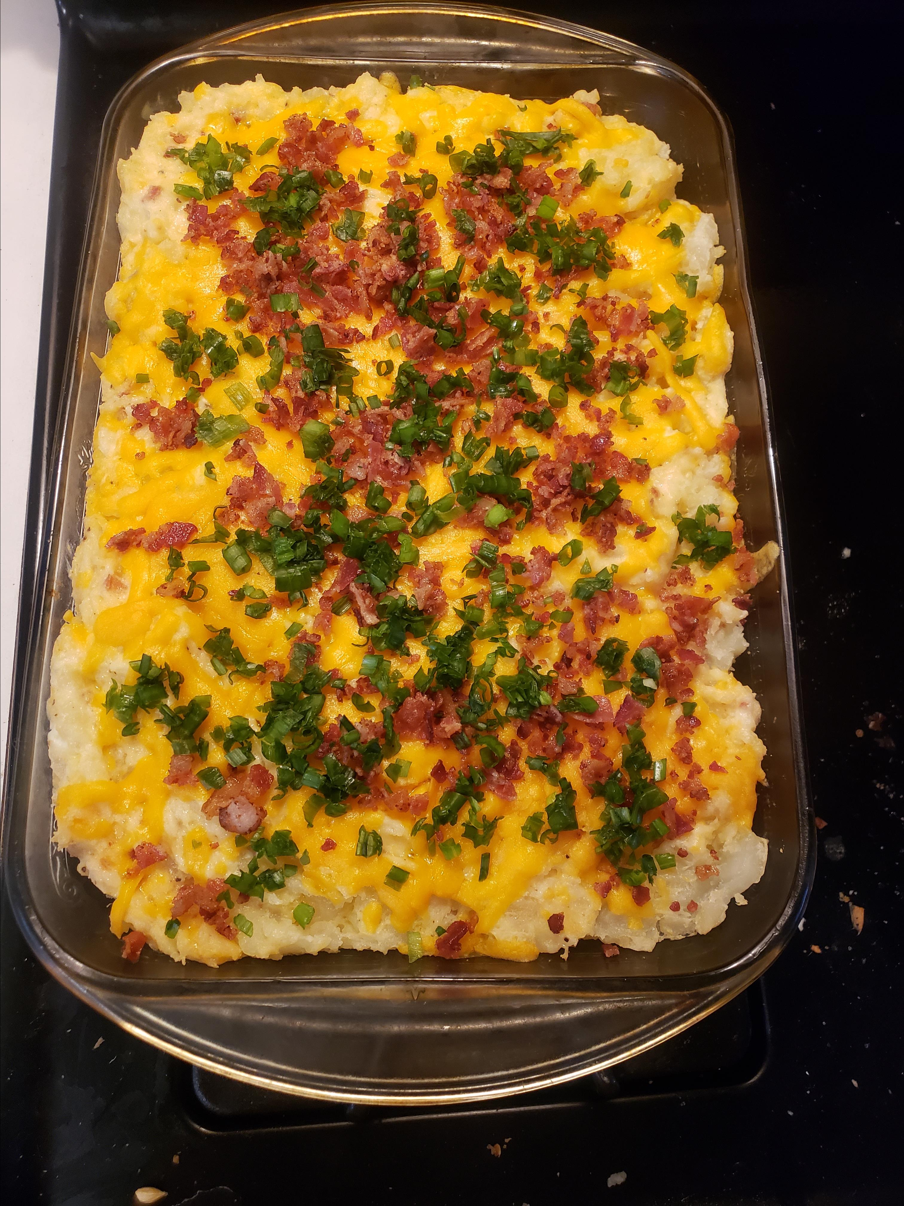 Garlic Mashed Potatoes with Roasted Garlic Cheddar and Bacon