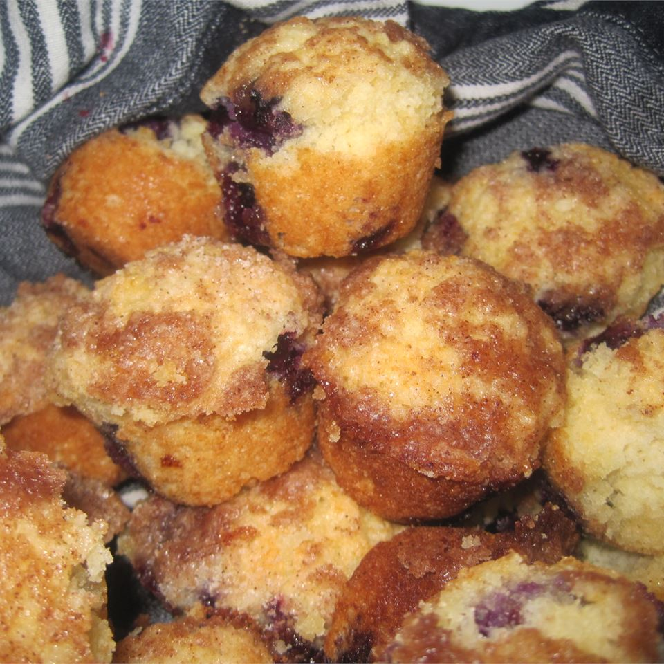 To Die For Blueberry Muffins M. Rivers