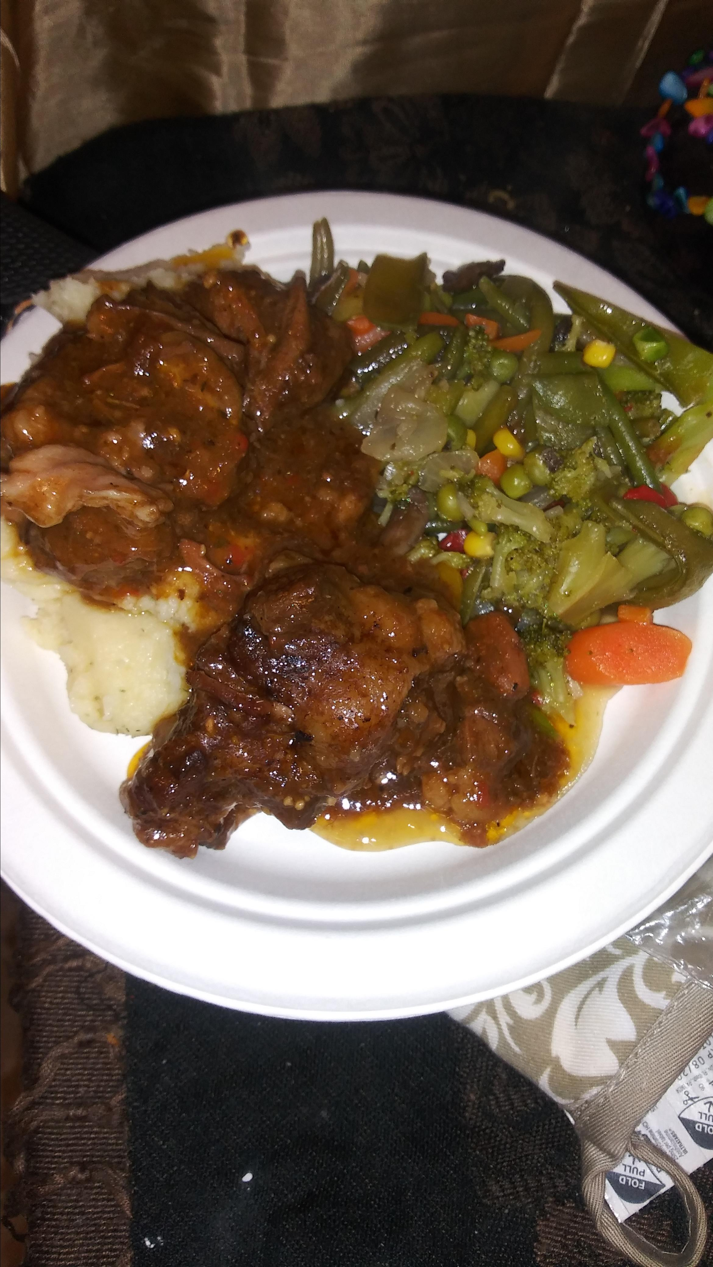 Oxtails with Gravy