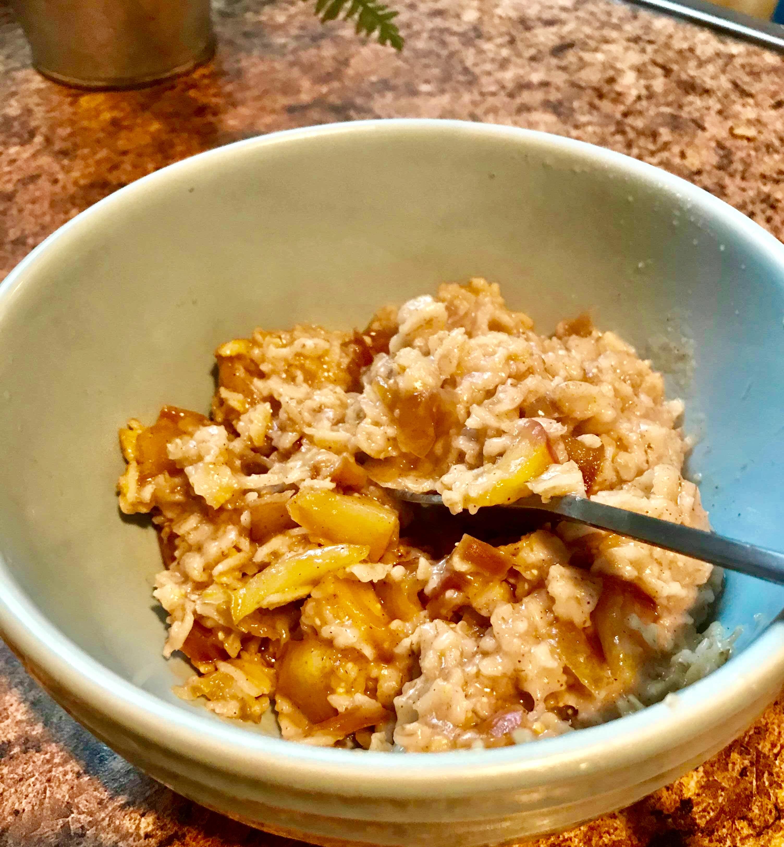 Cinnamon-Apple Spelt Breakfast Cereal