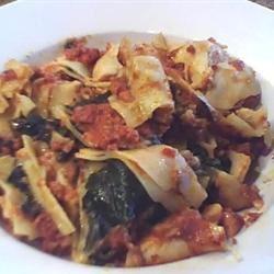 Sweet Garlic Tomato Beef Pasta Brendan