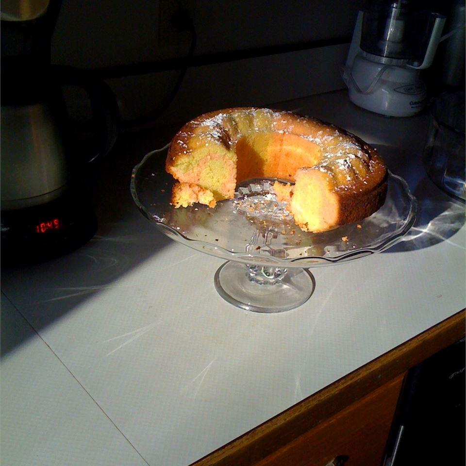 Rose Petal Pound Cake ONIOND