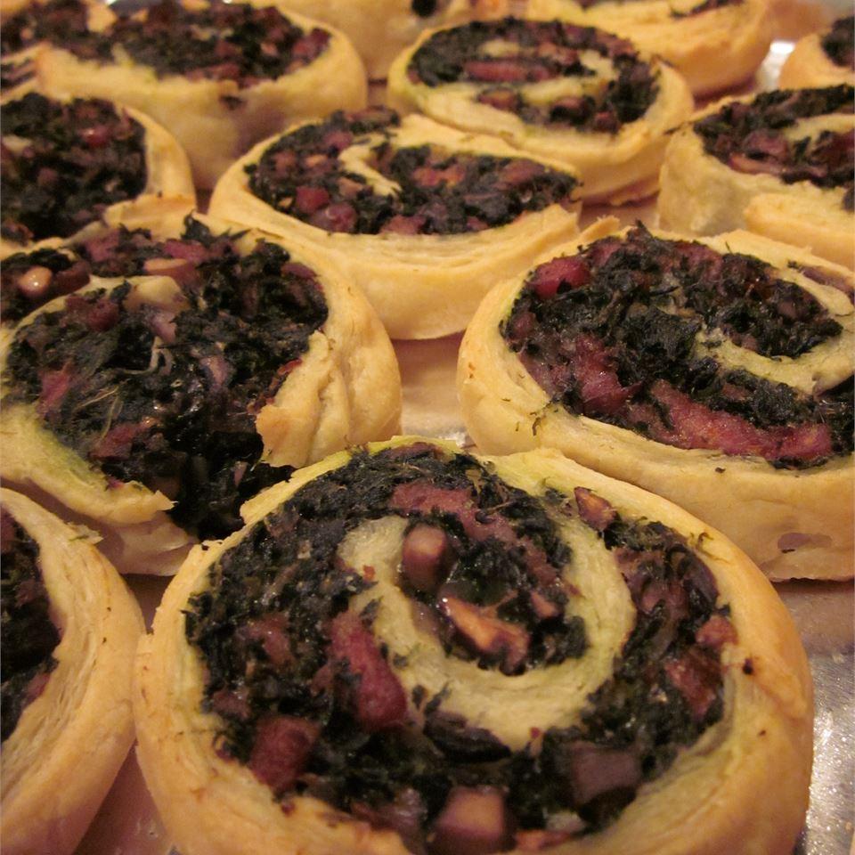 Spinach and Mushroom Pinwheels Ms. Ho