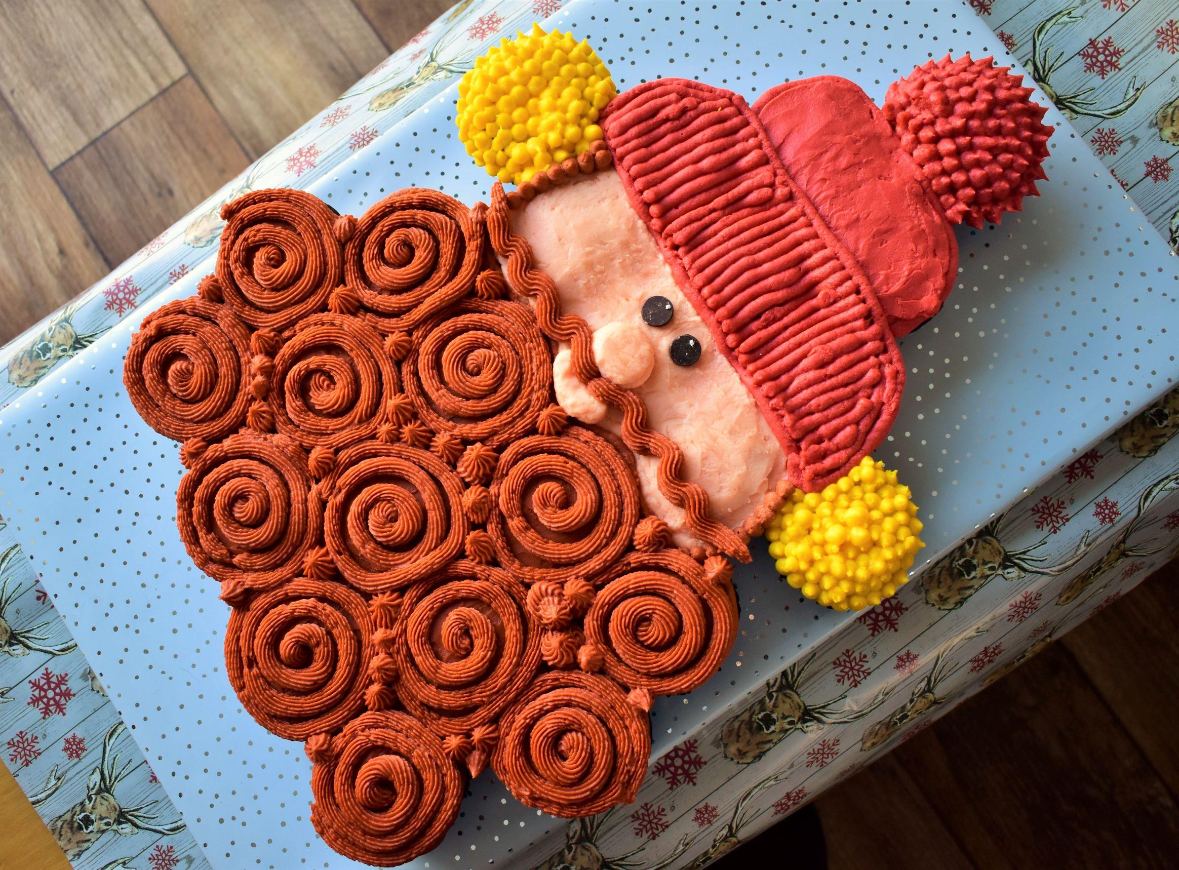 Yukon Cornelius Pull-Apart Cupcake Cake