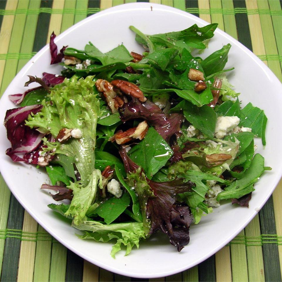 Balsamic Bleu Cheese Salad NANMURAT