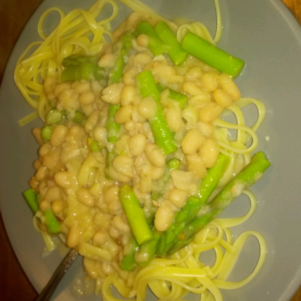 Vegetarian White Bean 'Alfredo' with Linguine Breanna Ford