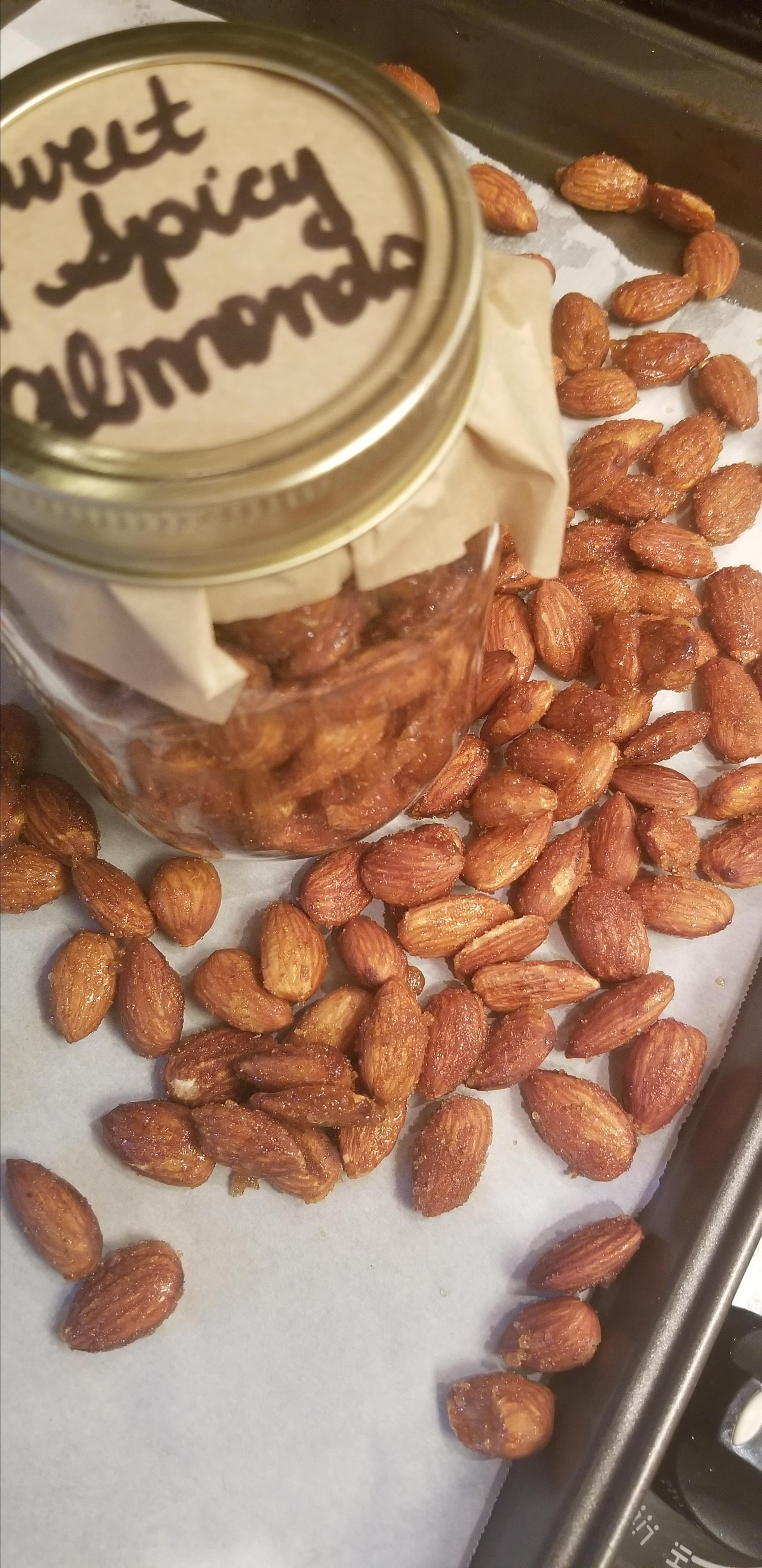 Sweet and Spicy Almonds Mac Vee