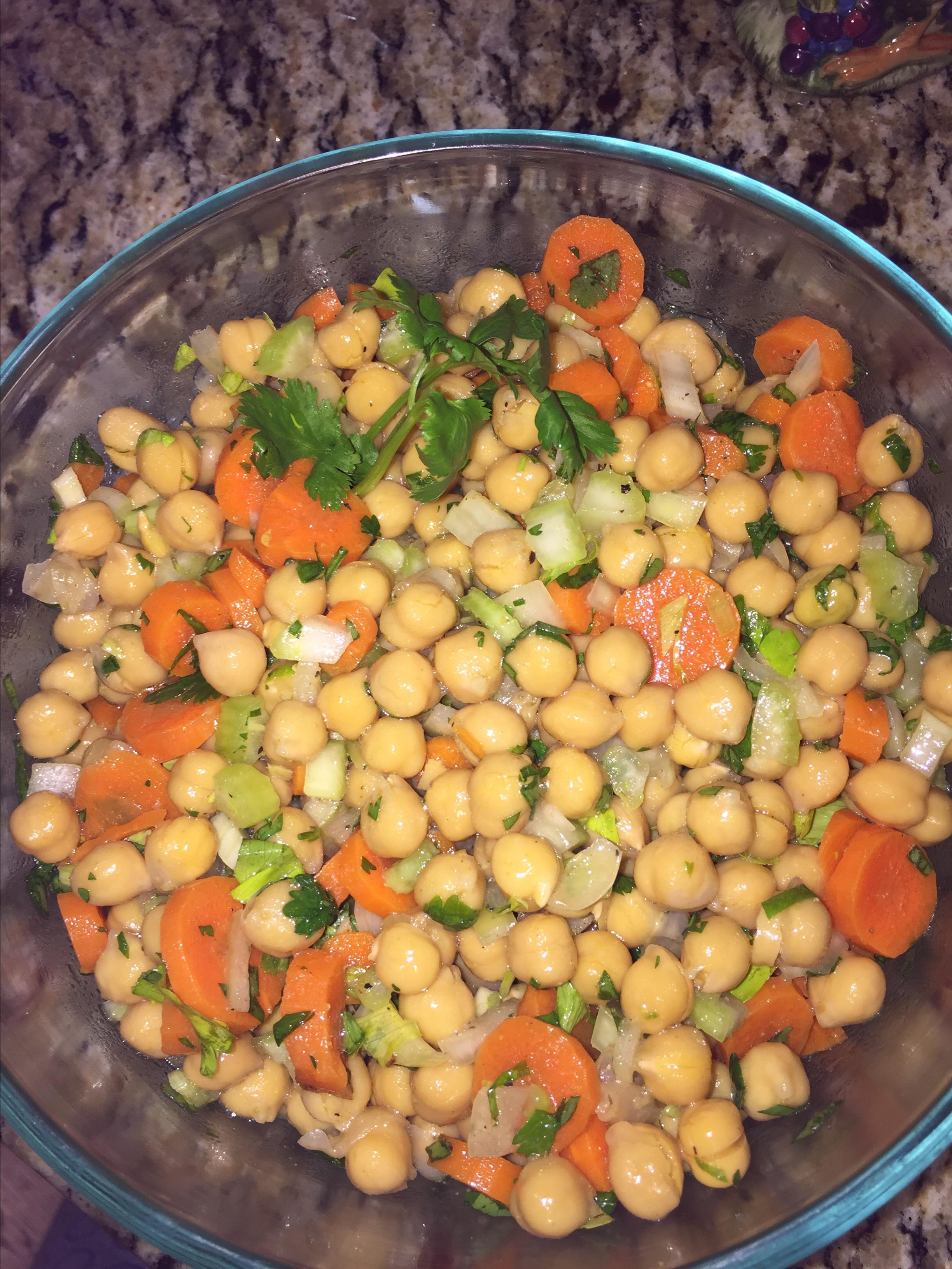 Quick and Easy Carrot and Chickpea Salad Amelia