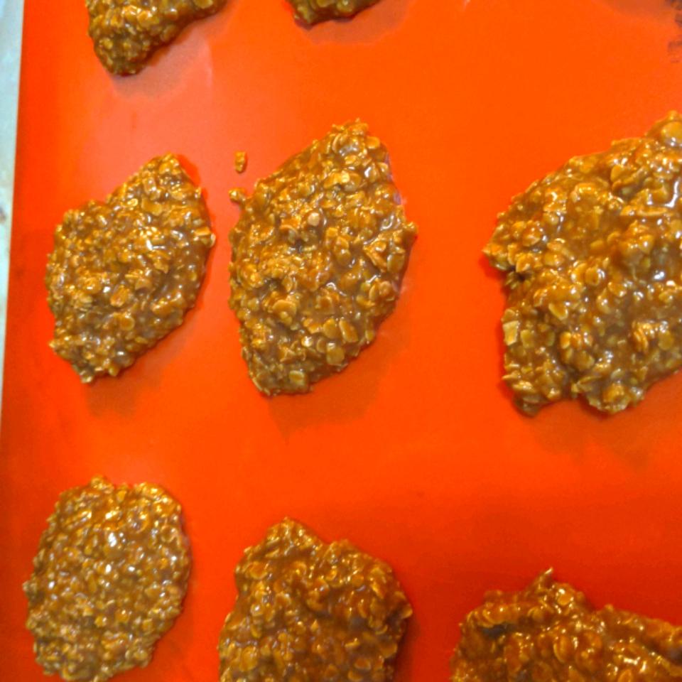 Super-Moist No-Bake Chocolate and Oatmeal Cookies