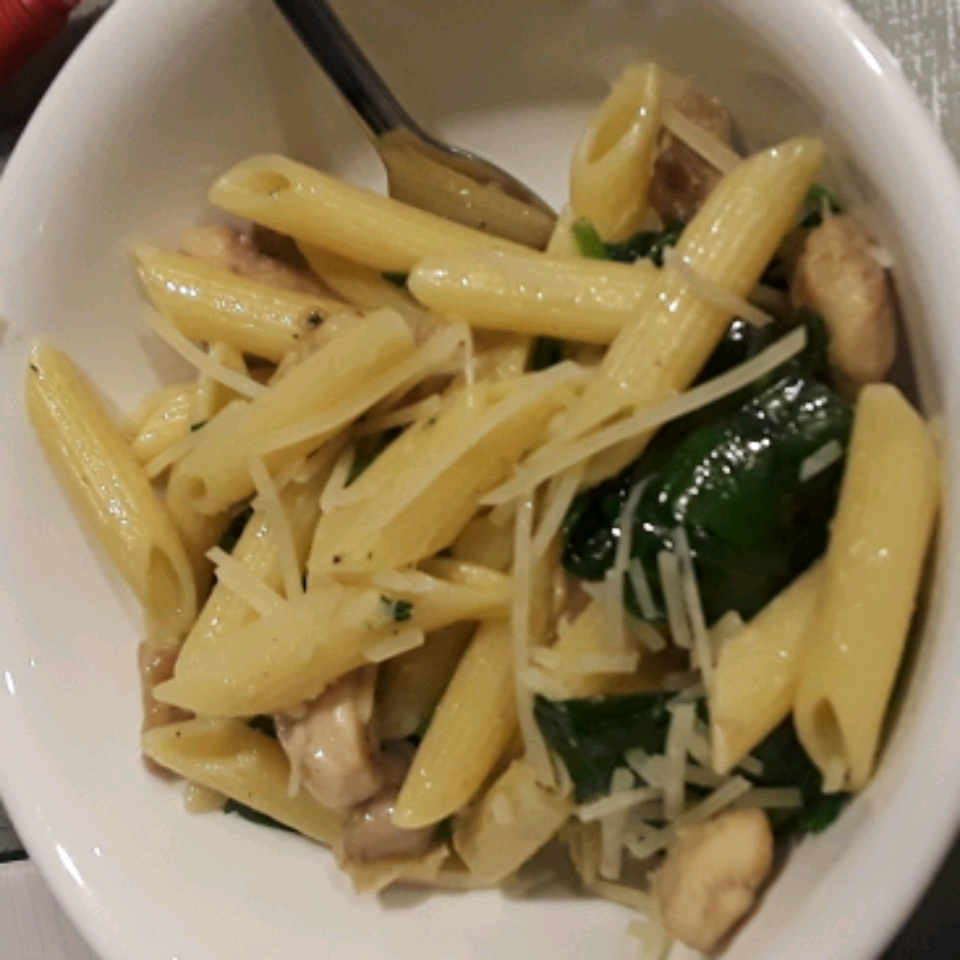 Spinach and Grilled Chicken Penne Madison Rigtrup