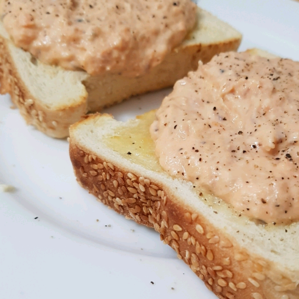 Creamed Salmon on Toast