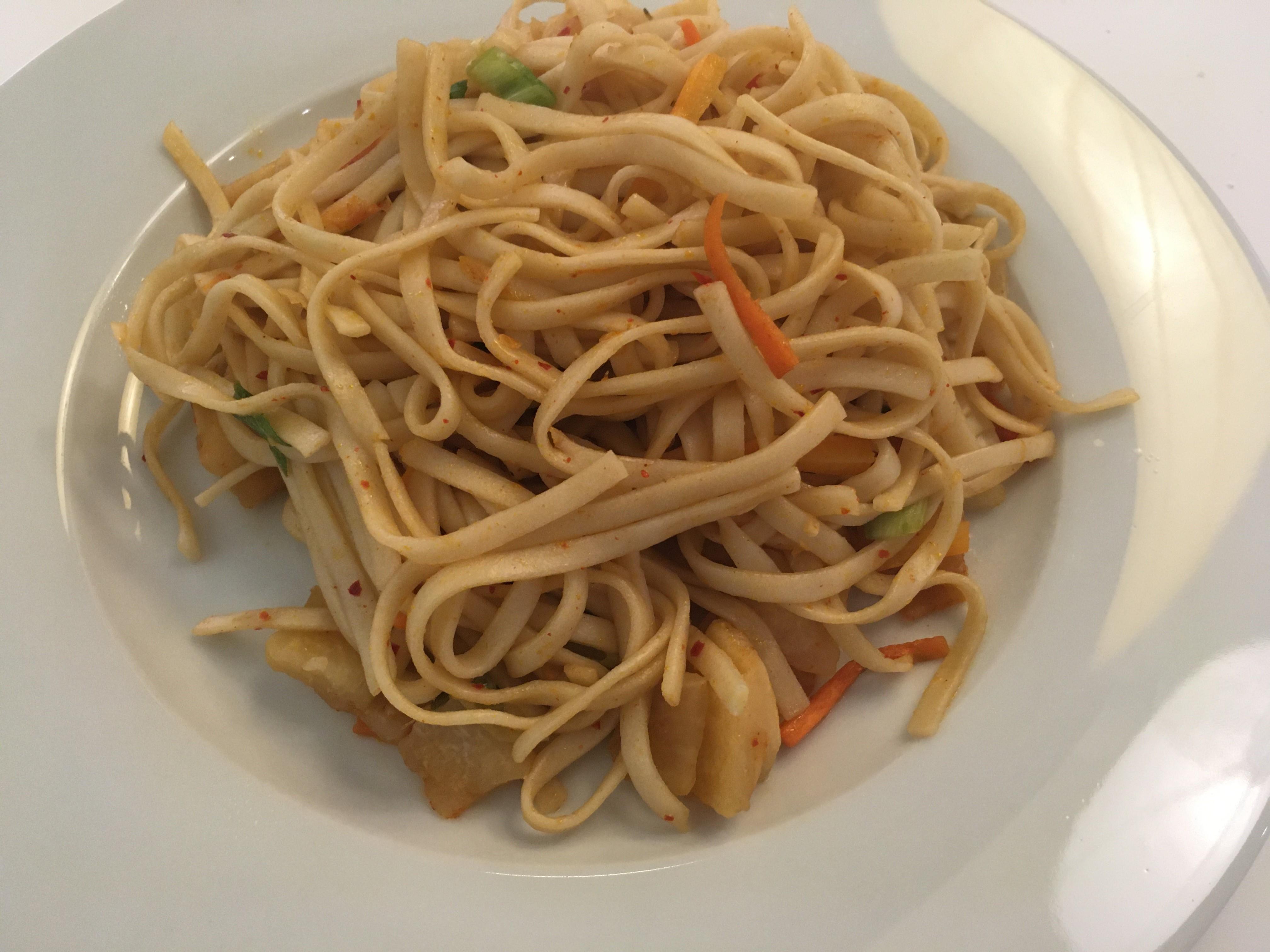 Kimchi Udon Noodle Stir-Fry Lena