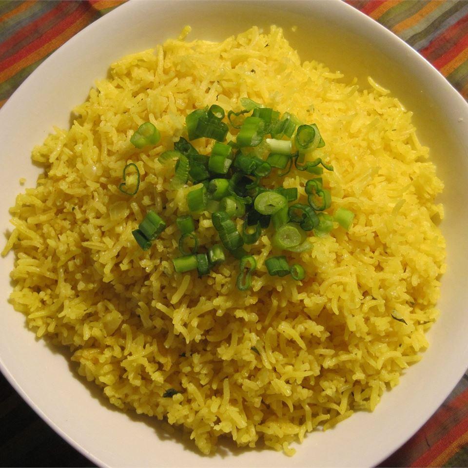 Cuban-Style Yellow Rice LYNNINMA