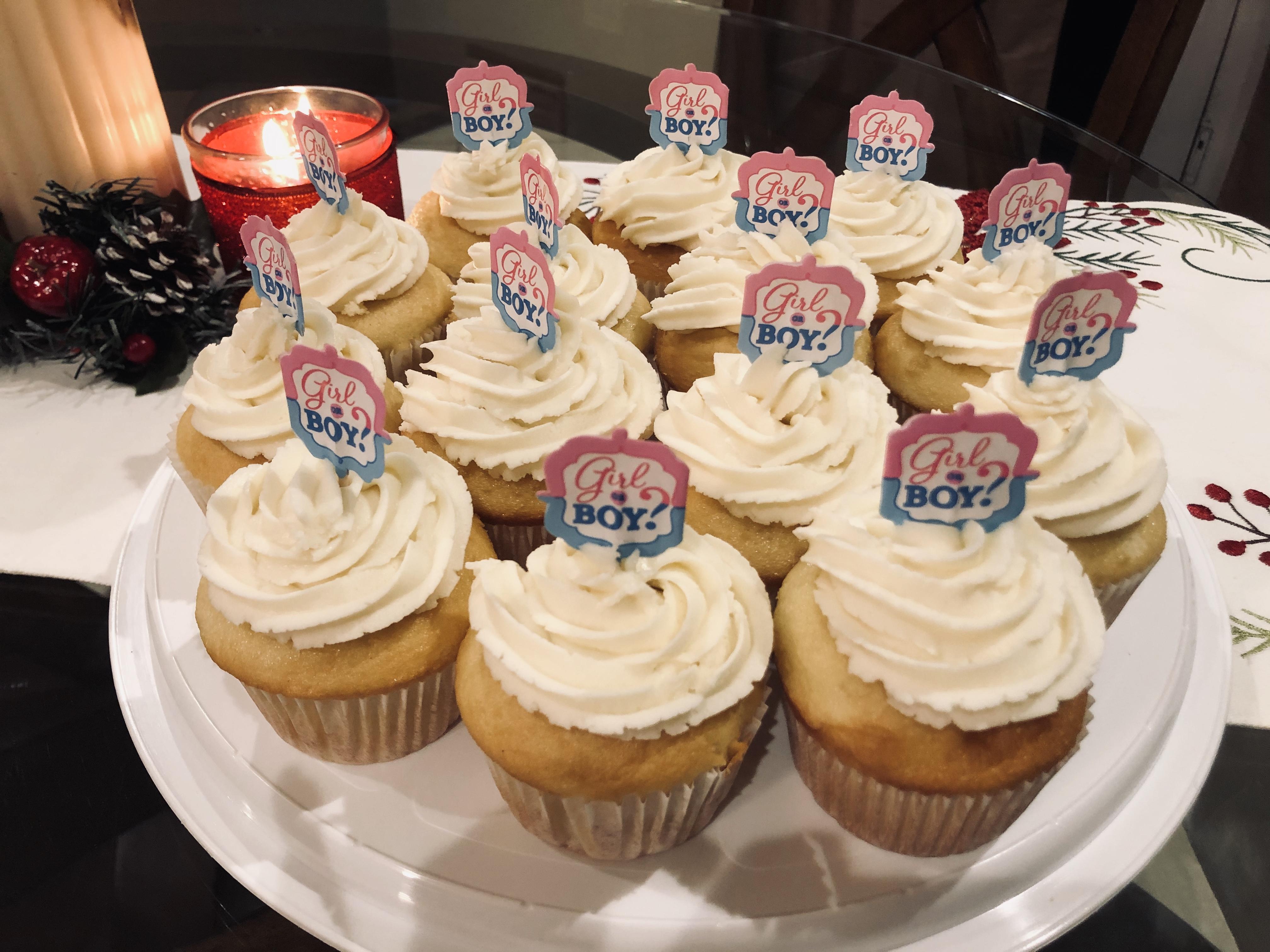 Best Gender Reveal Cupcakes Ever! helo girl