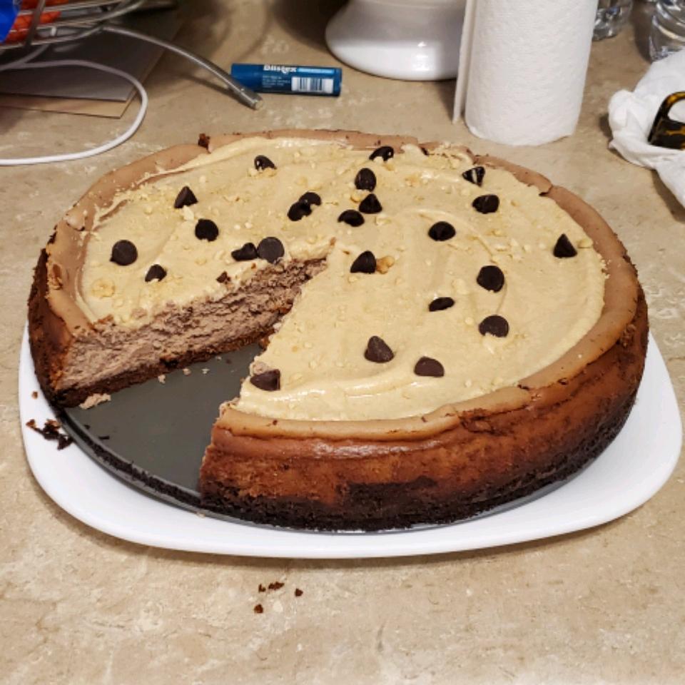 Peanut Butter-Chocolate Cheesecake
