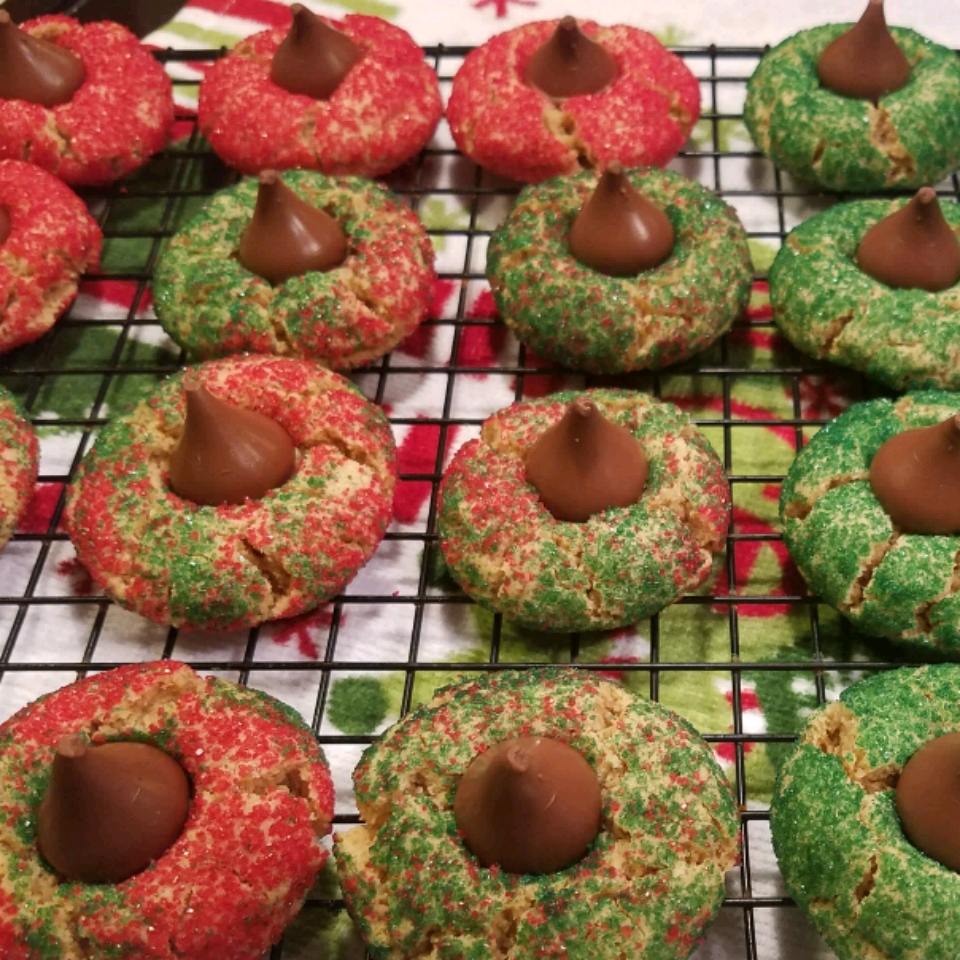 Mom's Peanut Butter Blossom Cookies