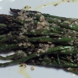 Broiled Asparagus with Lemon Tarragon Dressing pomplemousse