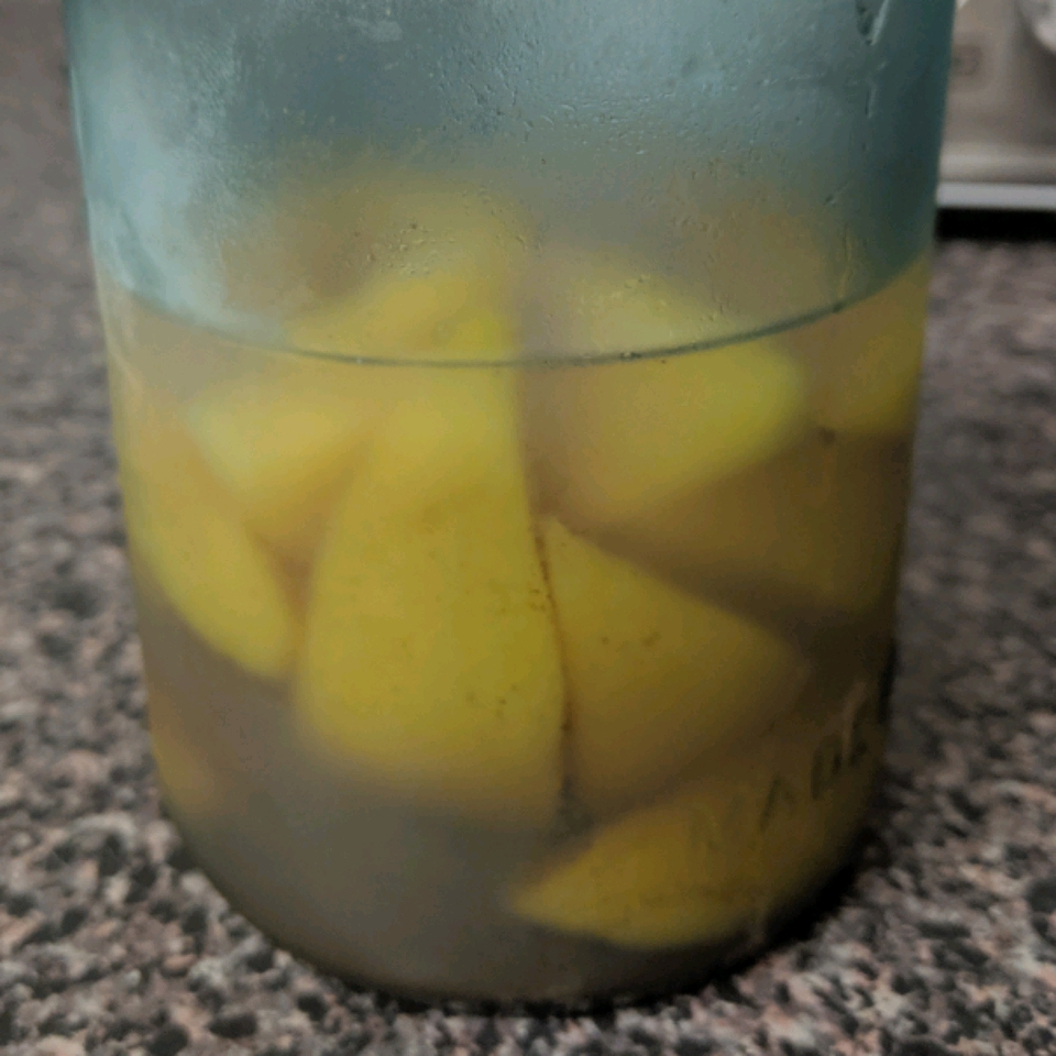 Delicious Pickled Peaches