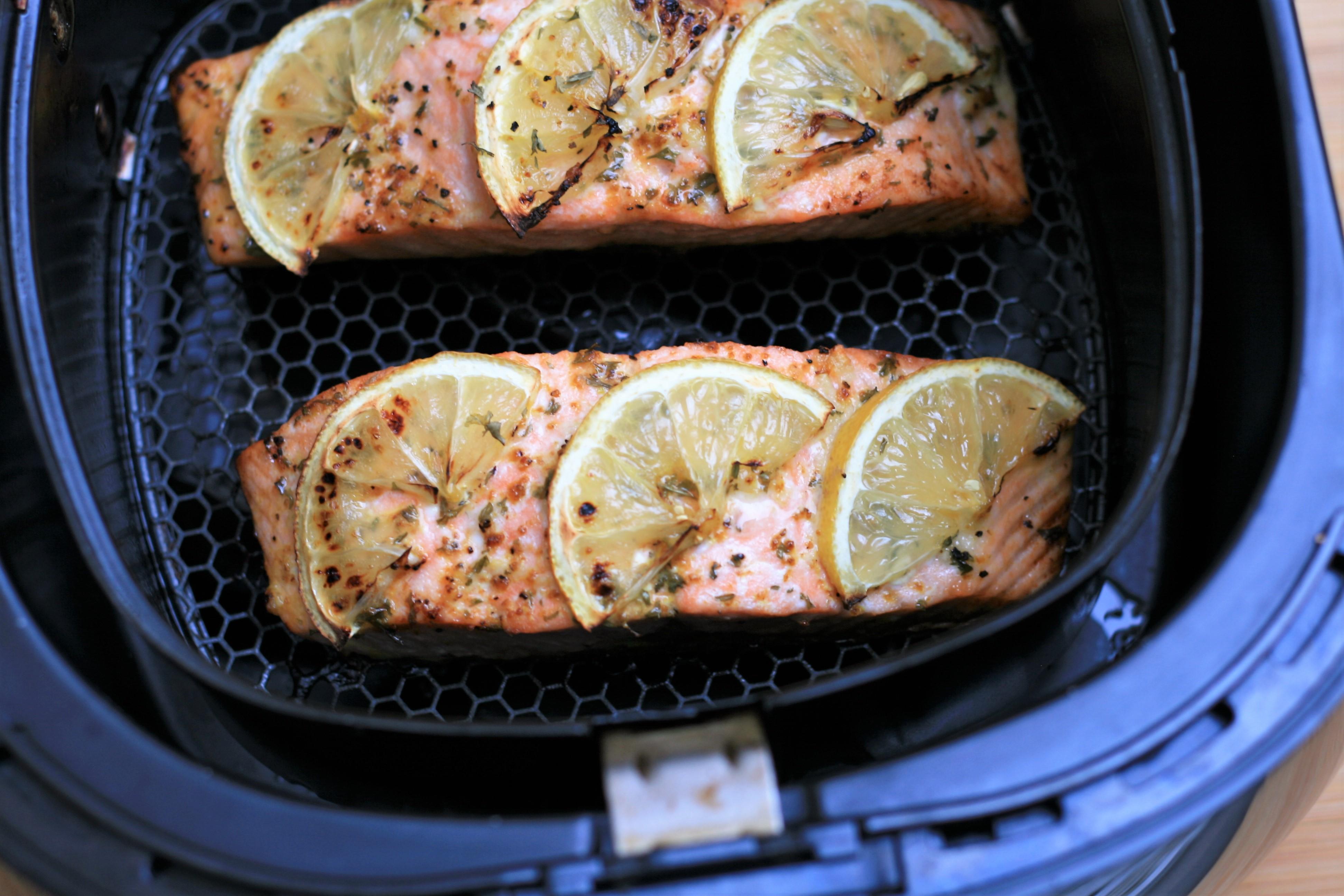 Lemon-Garlic Air Fryer Salmon