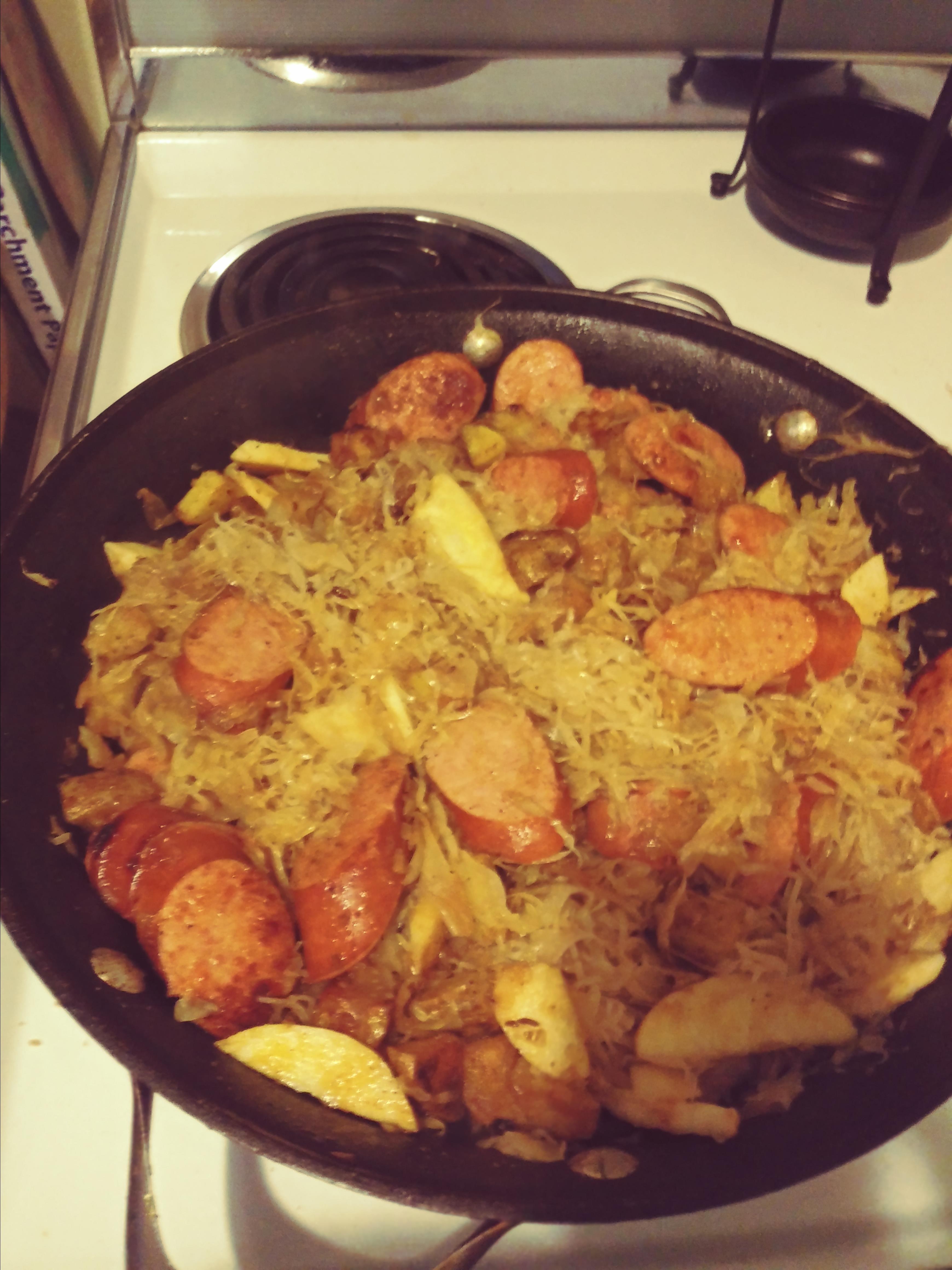 Smoked Sausage with Potatoes, Sauerkraut & Ale