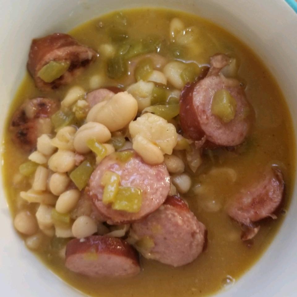 Smoked Sausage White Bean Chili Jessica Benitz