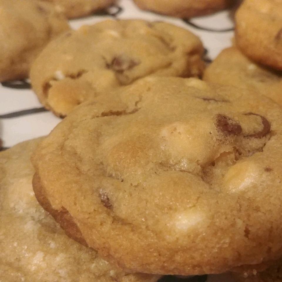 Soft Chocolate Chip Cookies II Brea3