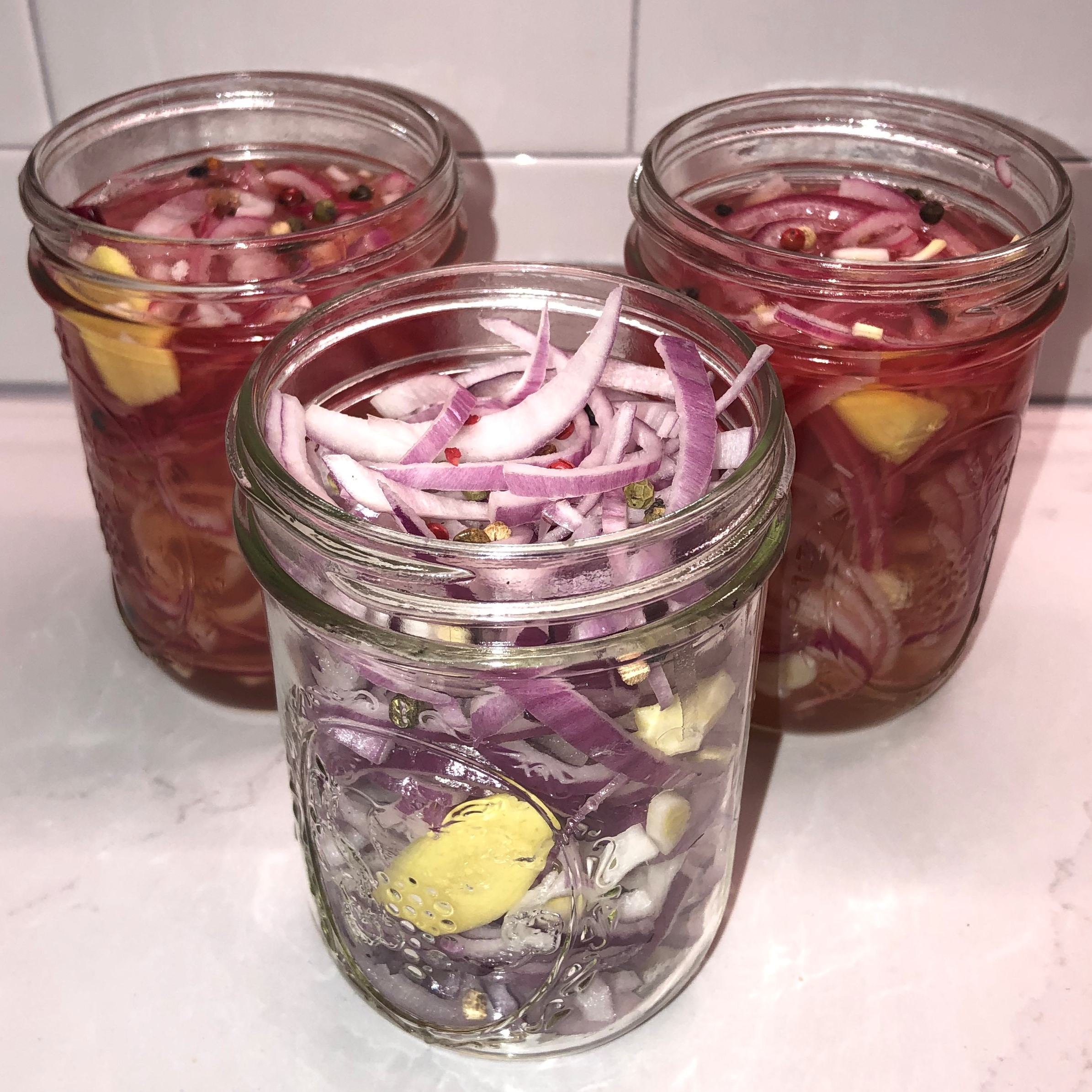 Easy Pickled Red Onions jaybu