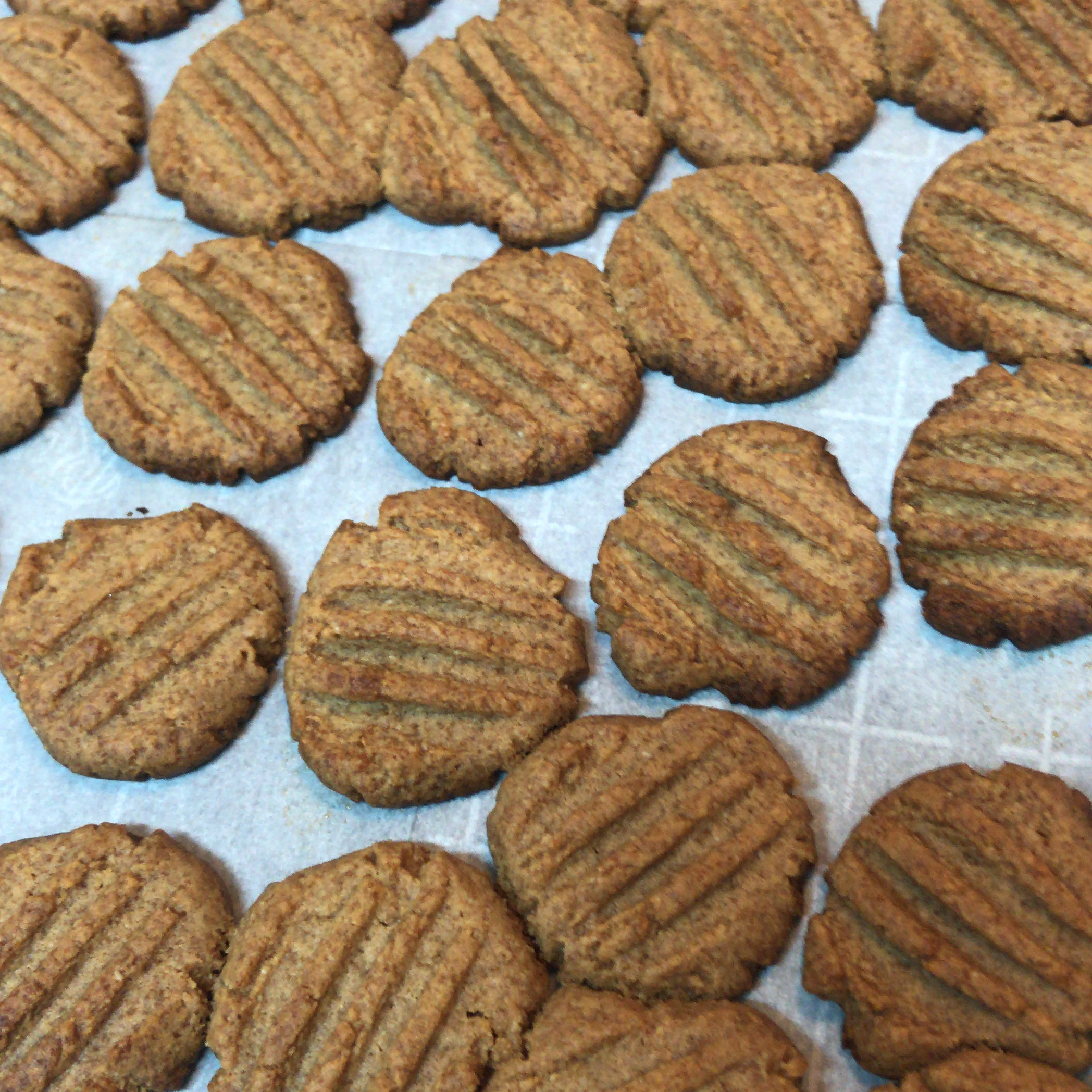 4-Ingredient Keto Peanut Butter Cookies Aalmiss Kntu