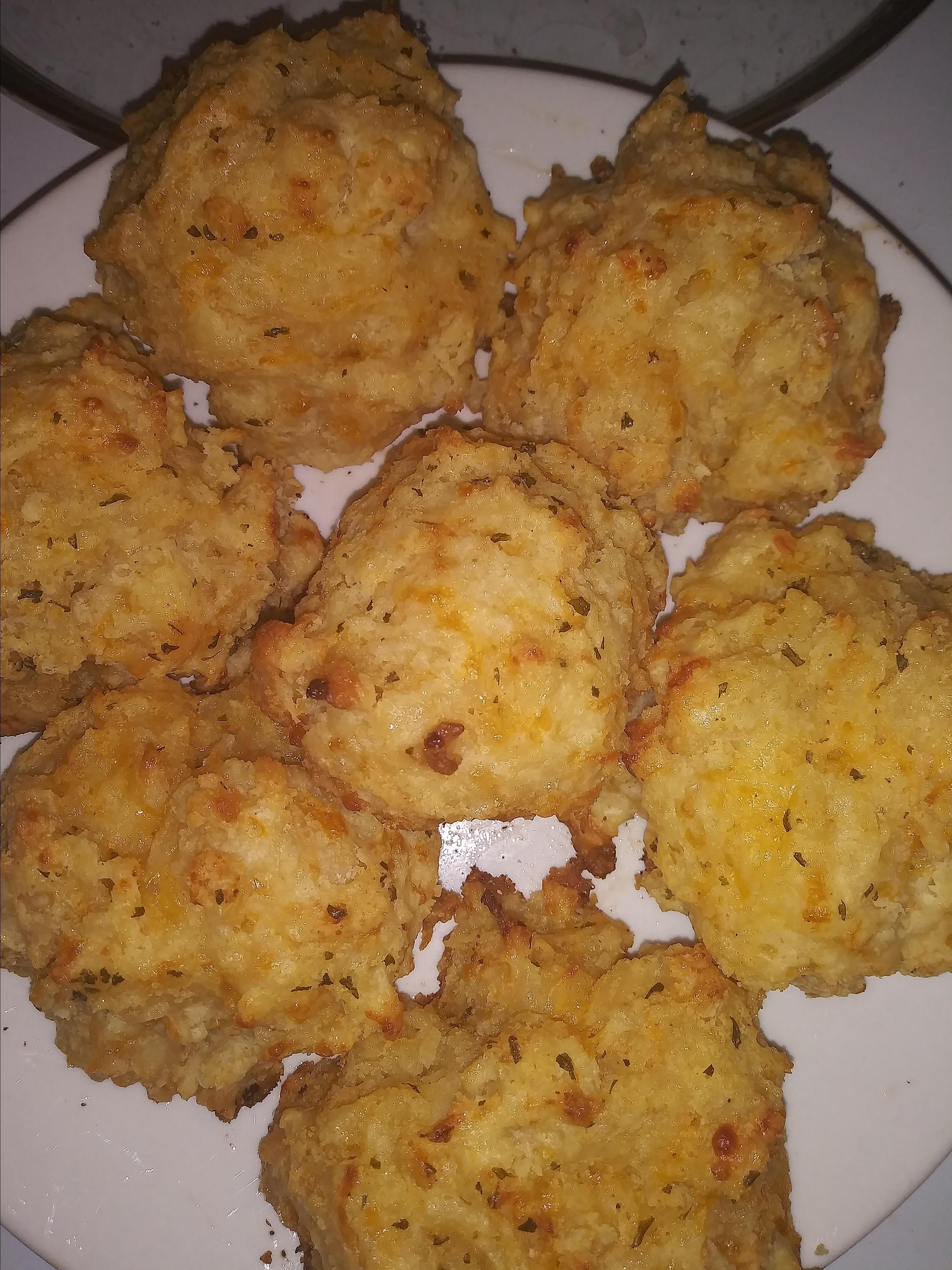 Red Lobster® Cheddar Biscuits