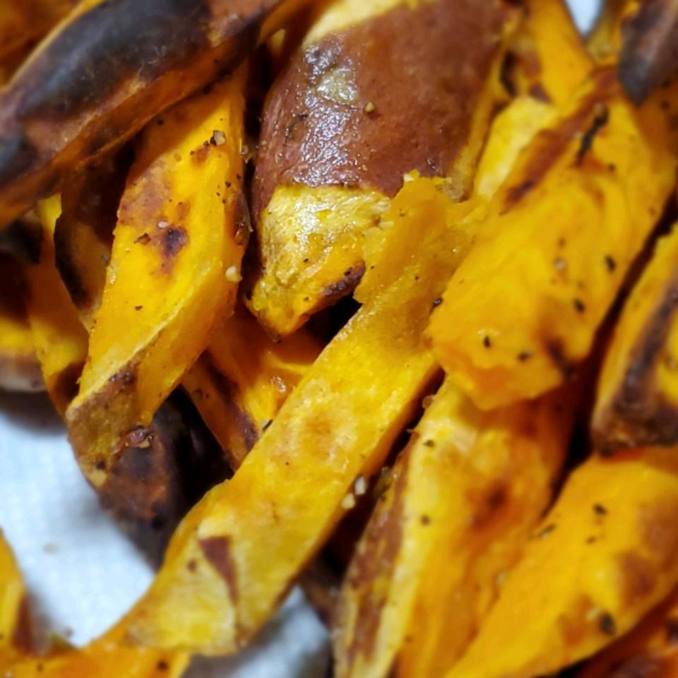 Air-Fried Sweet Potato Fries Janelle Fox (Nauticalstar)