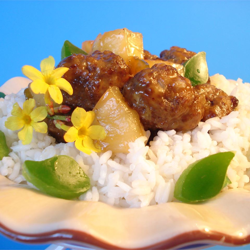 After the game, both winners and losers will have the off-season to heal their battered bodies on the beautiful white sands of Waikiki. You can share the experience, vicariously, with these simple beef meatballs. Pineapple chunks and a little vinegar give them a distinctively Hawaiian flavor. Aloha!
