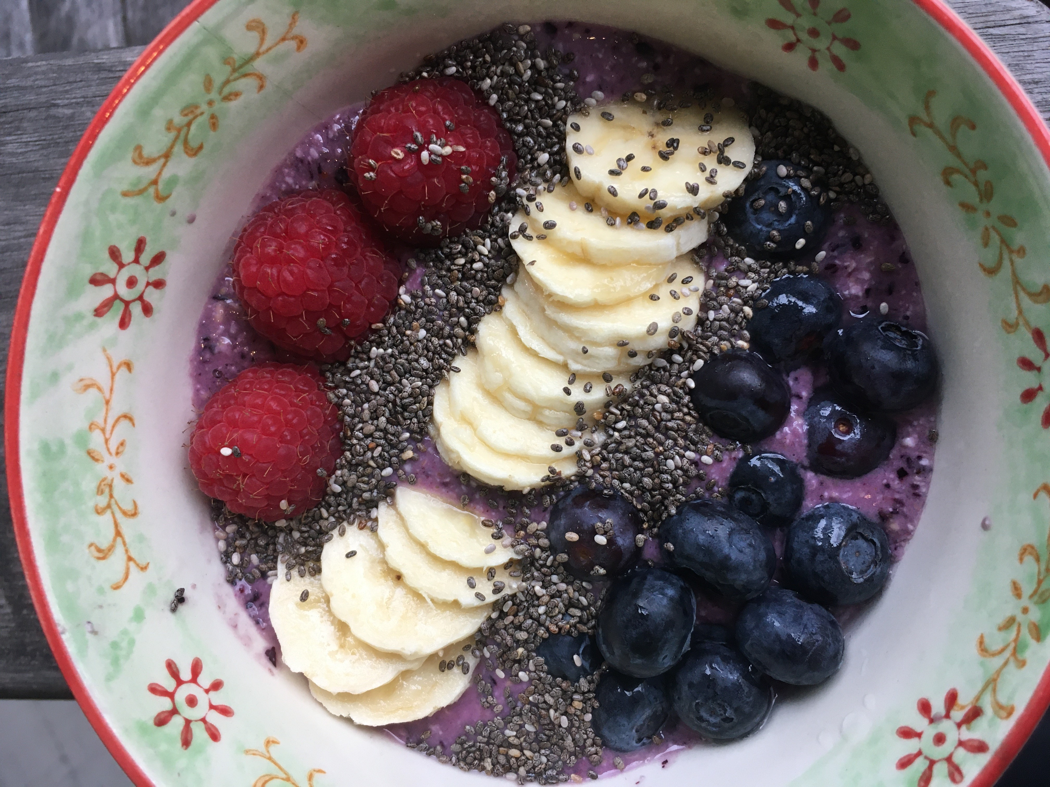 Overnight Oats Blueberry Smoothie Bowl