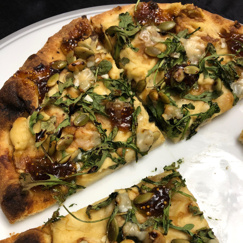 Arugula and Hummus Mini Pizzas Ana P