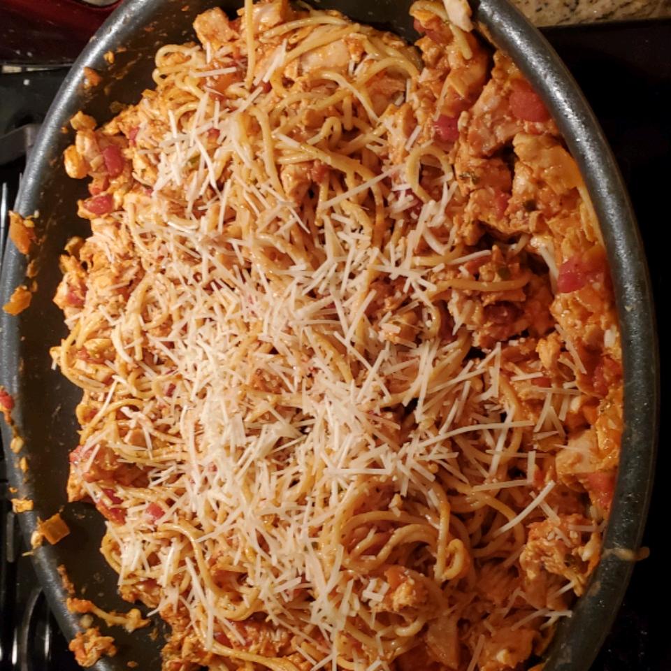 Simple Spaghetti with Chicken, Parmesan and Mozzarella