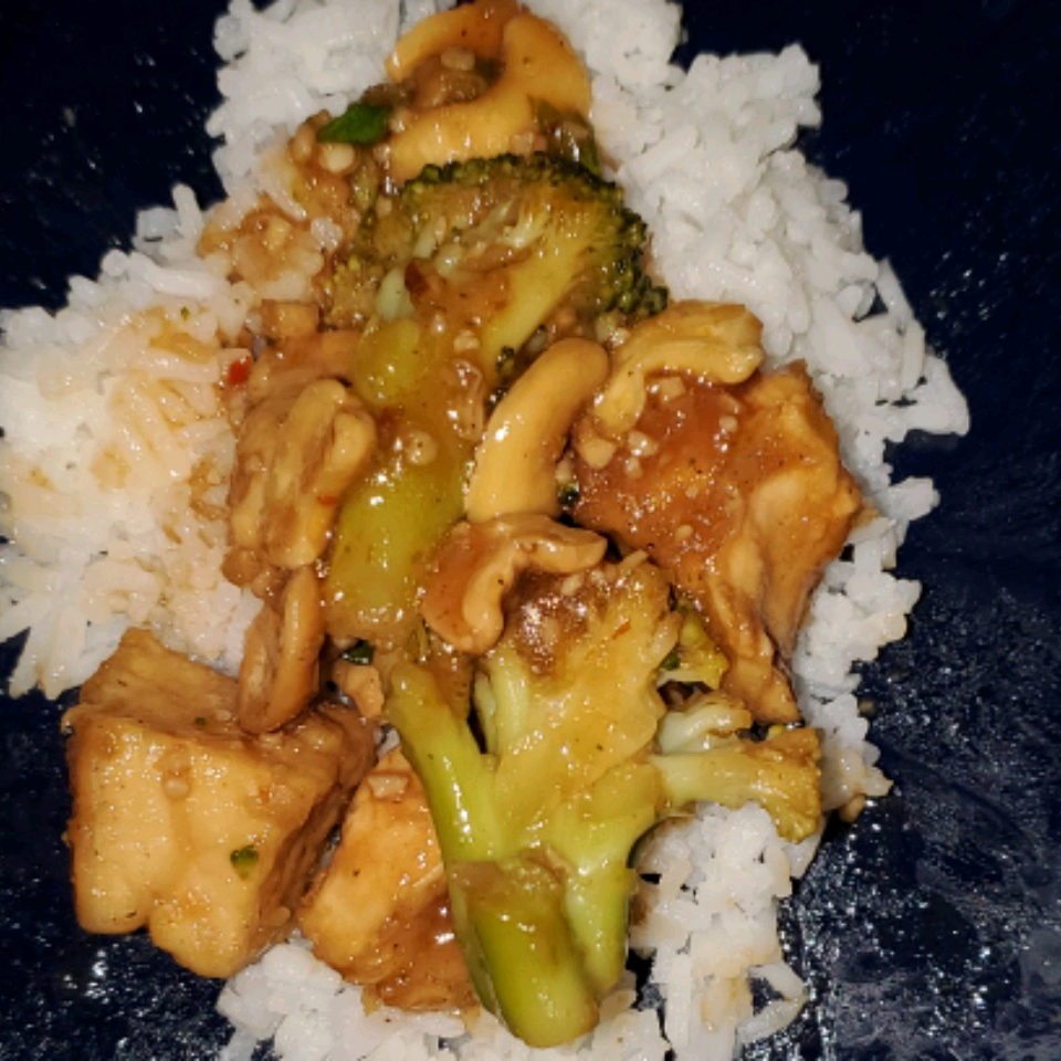 Slow-Cooked Cashew Chicken