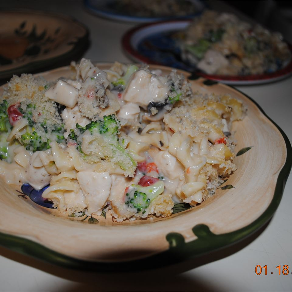 Chicken Noodle Casserole I RYGUY