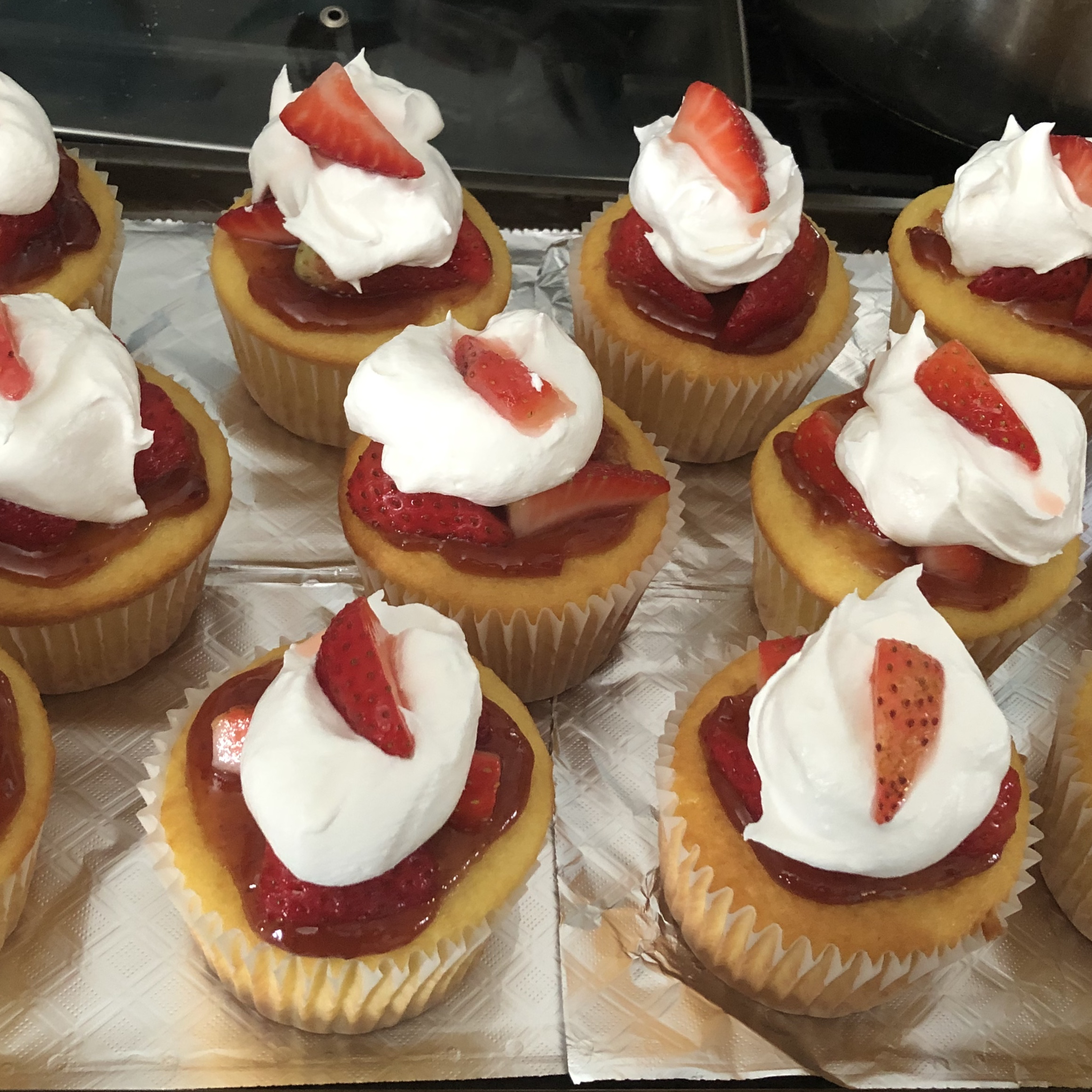 Strawberry Shortcake Cupcakes Bobbe Llamas